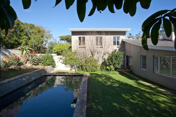 Cosy 2BR flat w garden/pool/parking - Stellenbosch - Wohnung