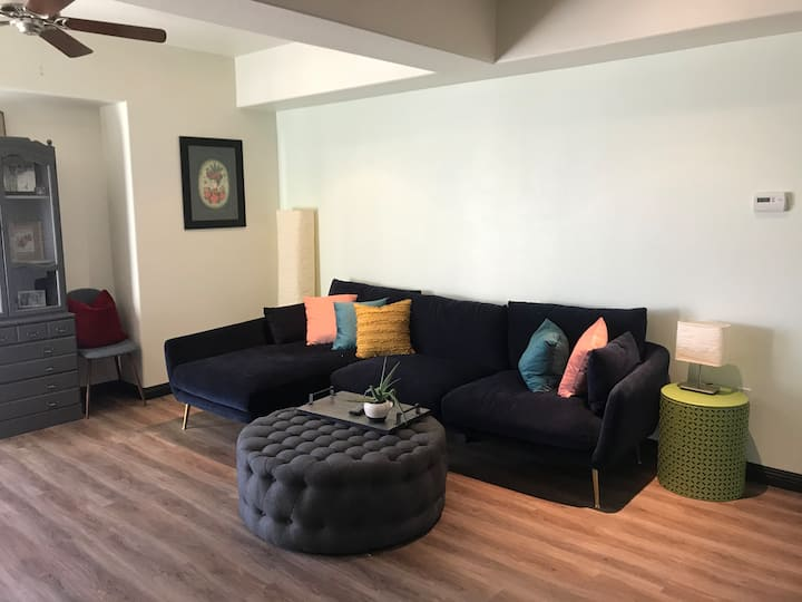 Modern and Cozy High-Rise in Downtown Reno