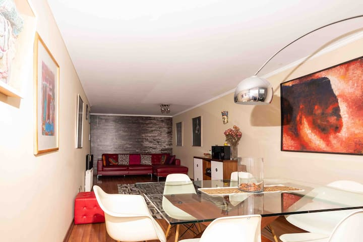 Trendy and confortable apartment in a great place!