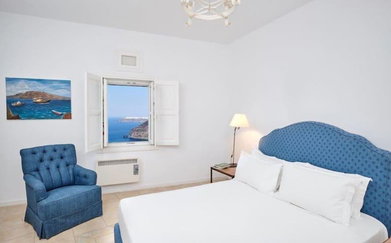 Bedroom 1, king size bed with en-suite bathroom