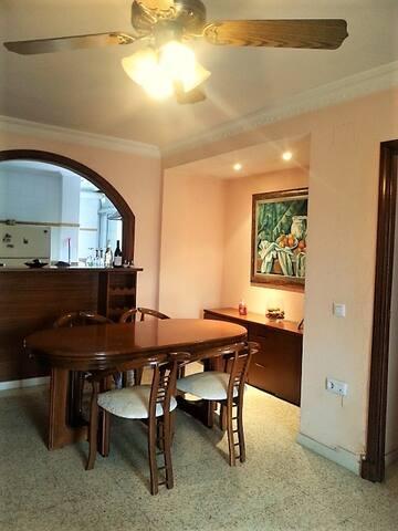 Apartamento amplio a 15 min. zona centro - Sewilla - Apartament
