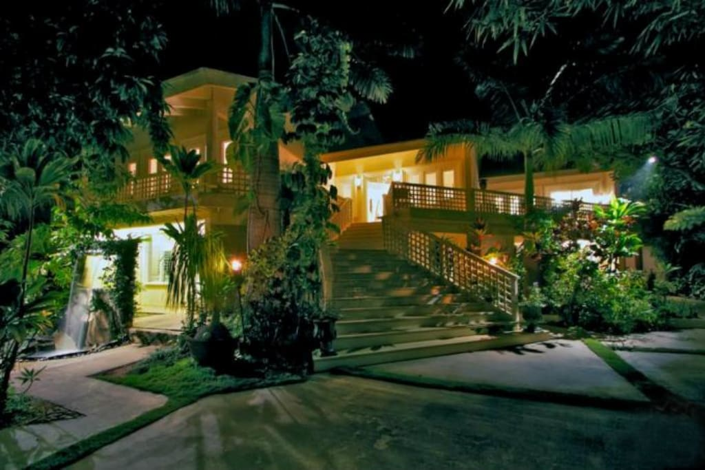 Wailea Inn villa at night