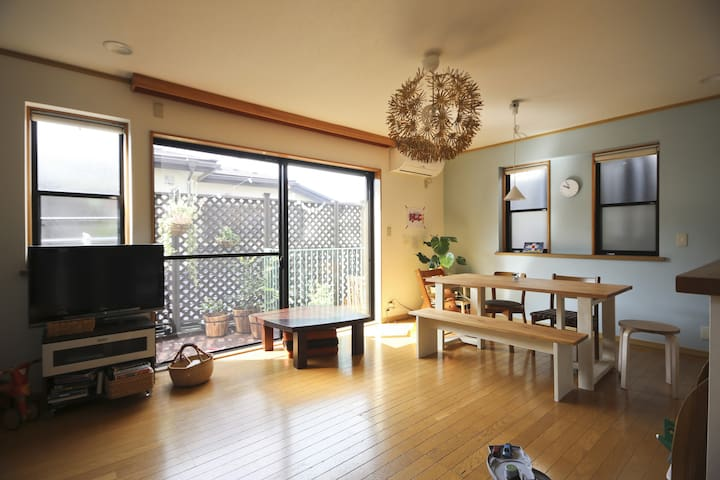 Real home, comfy attic room(12min from Shinjuku) - 杉並区 - House