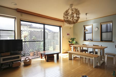 Real home, comfy attic room(12min from Shinjuku) - 杉並区 - Rumah