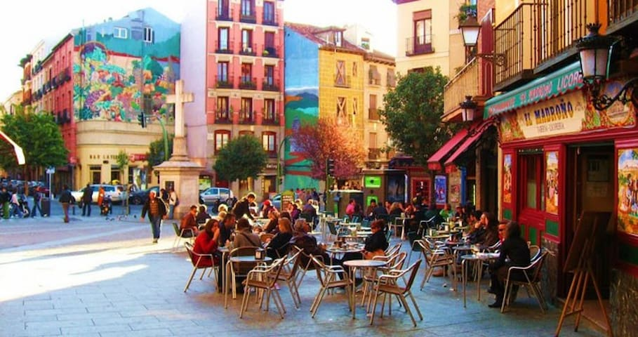 Room in Chueca, Center Madrid+Wifi