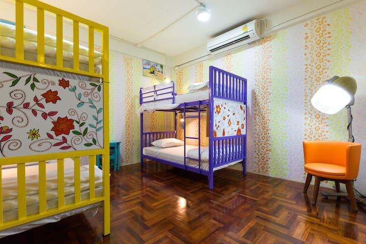 DD Hostel - Flower 4Bed Family Dorm