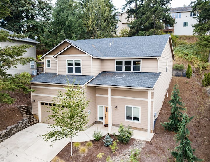 NW Pines Luxurious Estate (Near Downtown Salem)