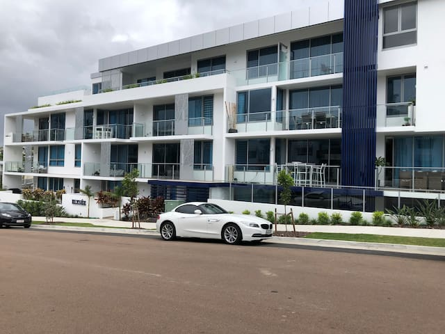 8 ON ELYSEE  Alexandra Headland/ Mooloolaba Beach