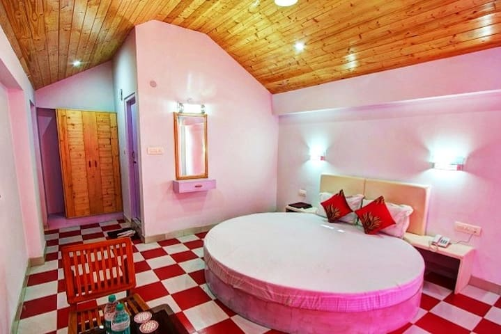 Honeymoon Suite with Private Balcony