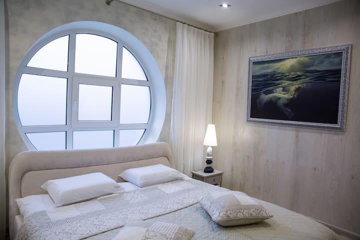 Белое море в апартаментах 5 Морей