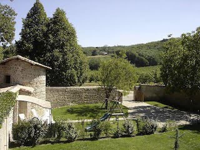 château du cros - Anneyron - Cabaña en la naturaleza