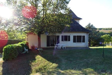 Casa linda en la naturaleza - Villeneuve - บ้าน
