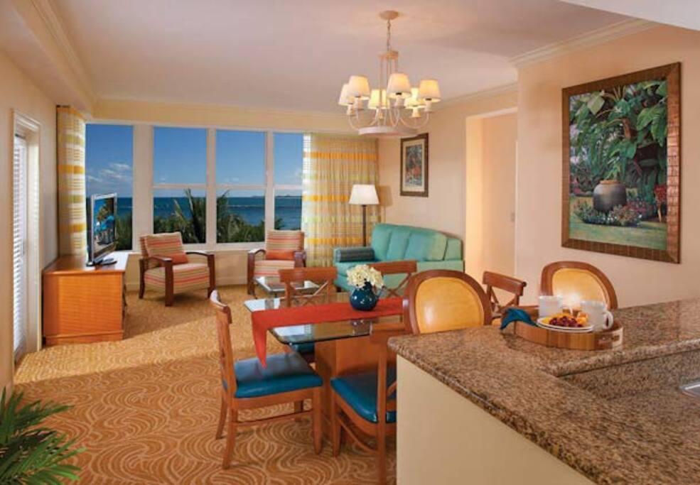Ocean Pointe 2 Bedroom Villa: Living Room