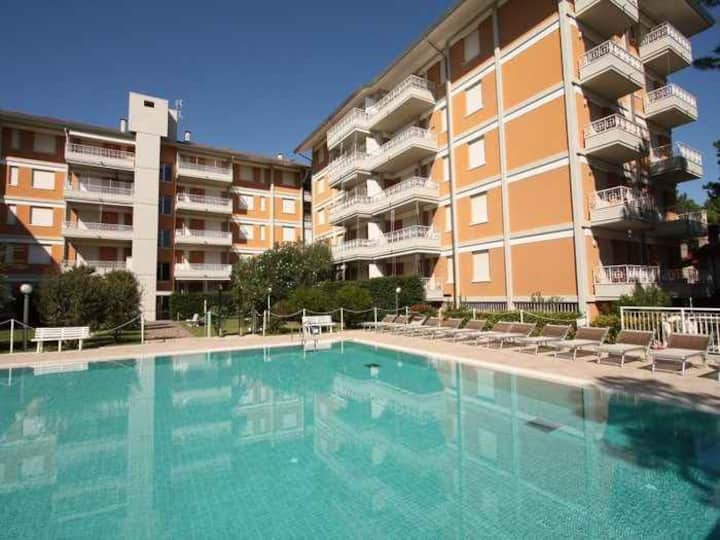 Studio for 2+2 pers with pool in Lignano R68020