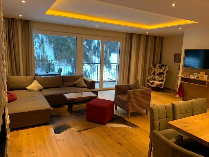 Exclusive 2 Bedroom Ski Holiday Apartment in Kappl