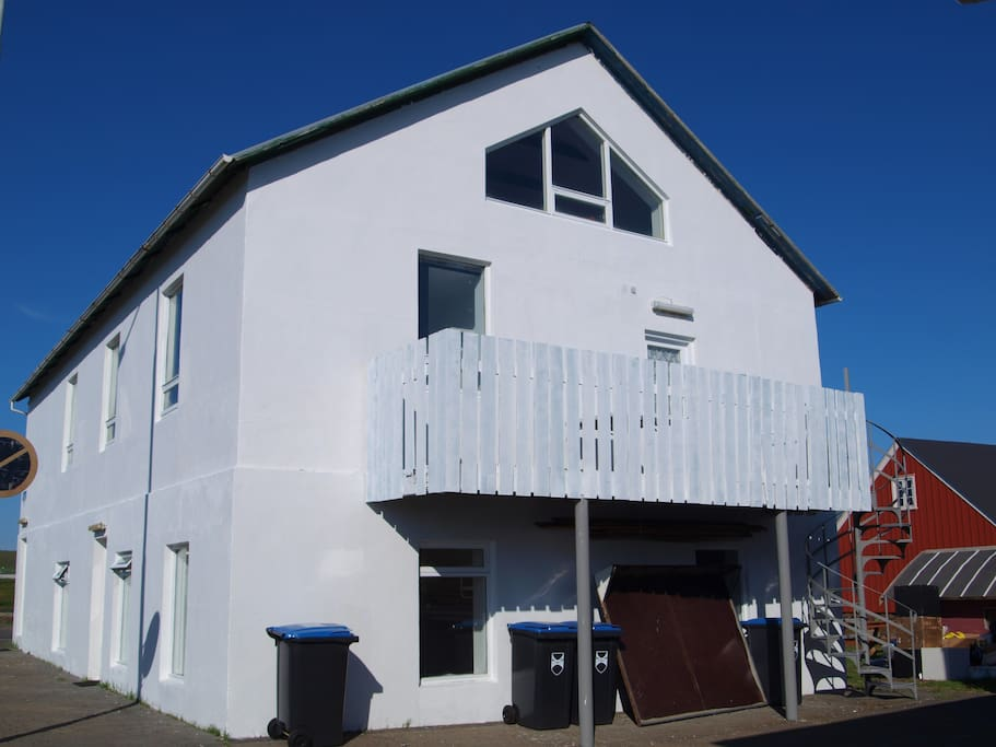 Daniel Guesthouse - situated right next to one of the oldest houses of Iceland