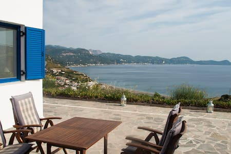 Villa with excellent view to the Aegean Sea - Oxilithos - Dům