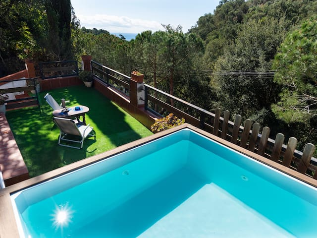 DANLUX MABEL-2 - BEAUTIFUL HOUSE WITH SMALL POOL