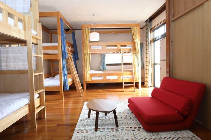 【一部屋(ベッド6台)貸し】うきは市吉井町の家族で泊まれる民泊