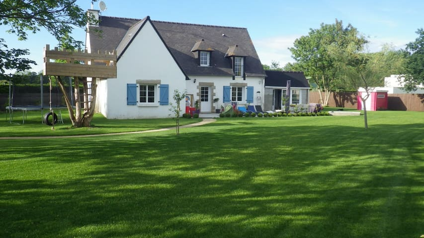 Nice family house near beaches, quiet. - Lancieux