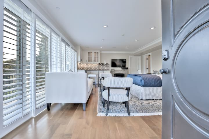 Luxury Studio in the heart of Silicon Valley