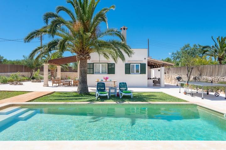 LAS ESTRELLAS - Villa with private pool in Cala Llombards (Santanyi).