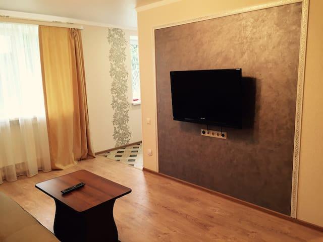 Двухкомнатная квартира у моря в Сухуме
