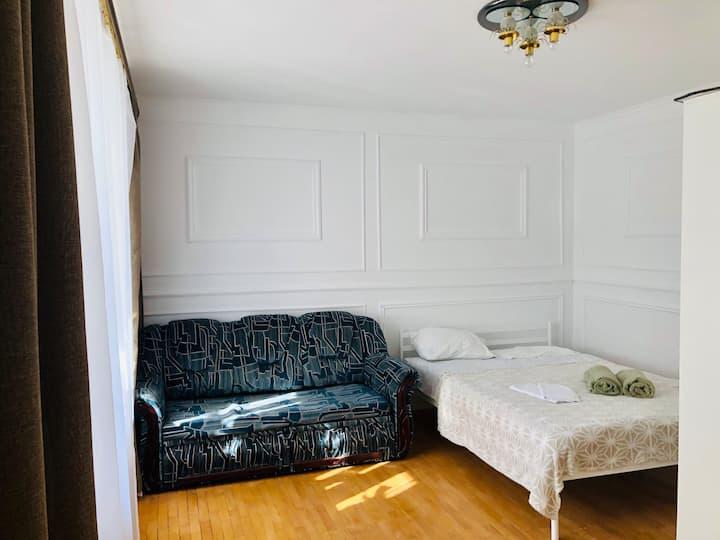 Затишна 1-кімнатна квартира біля Педуніверситету
