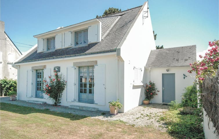 Holiday cottage with 4 bedrooms on 125m² in Pénestin