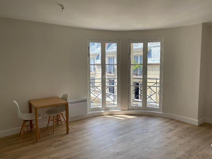 Nice newly refurbished studio flat