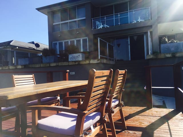 Rest and Breakfast on the Waterfront in Yamba 1