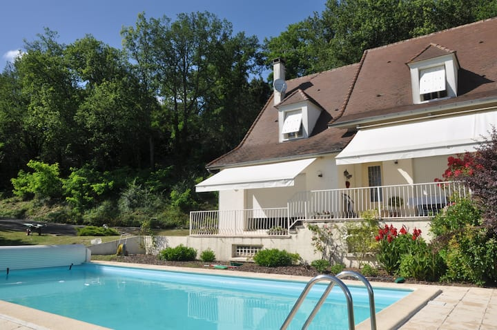 Villa with pool near St Émilion