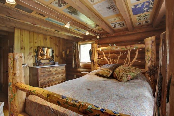 Bedroom #1 (bird room)