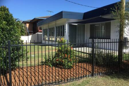 Pet Friendly home walking distance to Surf Beach -  North St, Woorim