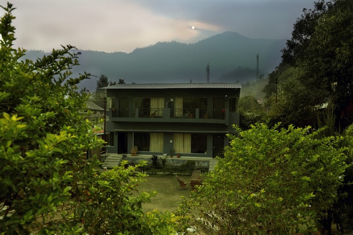 Stay in Rishikesh mountain