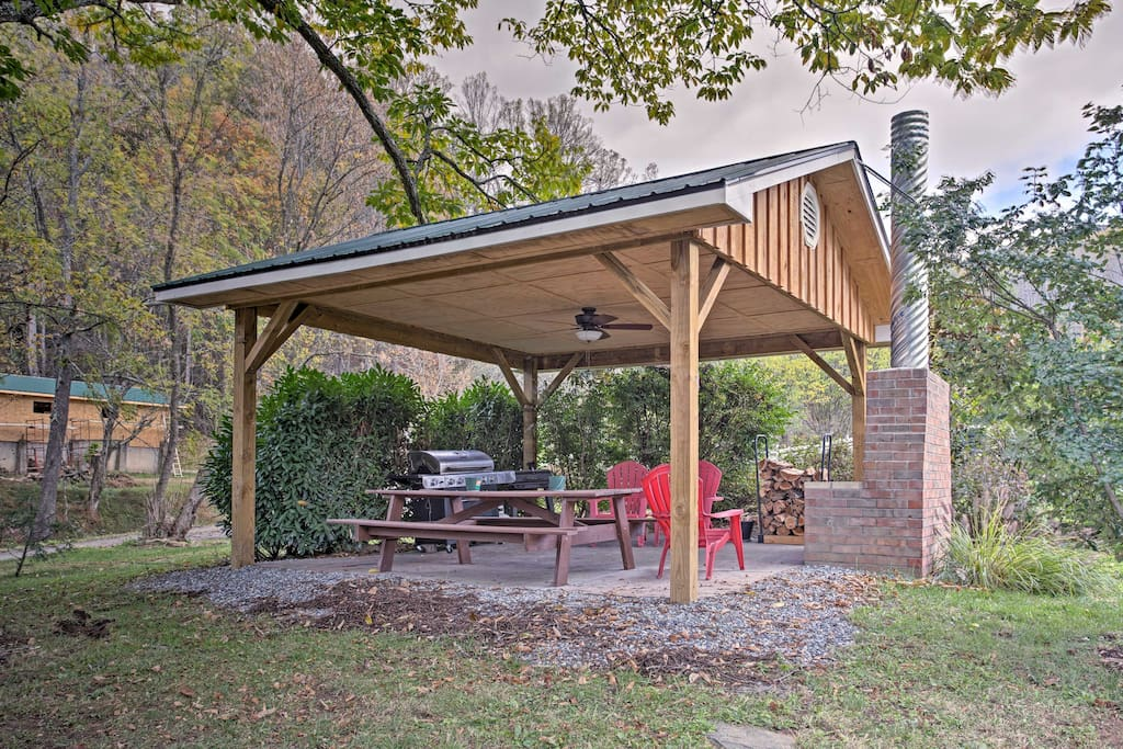 Enjoy numerous amenities such as this outdoor area with a gas grill.