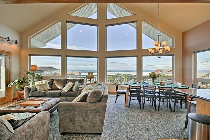 Lincoln City Home w/ Game Room - Walk to Beach!