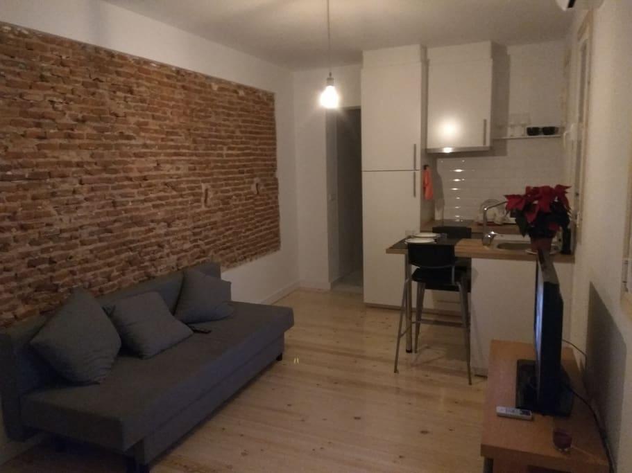 Precioso piso moderno en centro de madrid con wifi for Compartir piso madrid centro