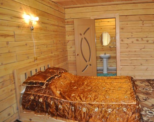 Двухместный номер с 1 кроватью - Листвянка - House