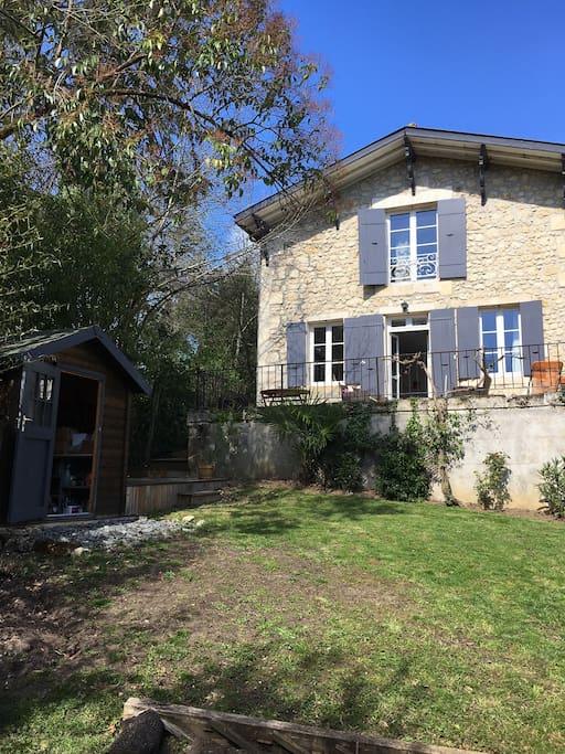 Jolie maison en pierre pr s de bordeaux maisons louer for Maison louer bordeaux