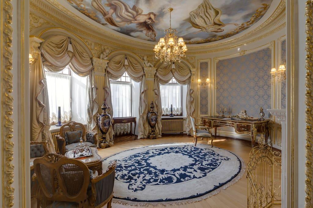 Императорский люкс овальный кабинет