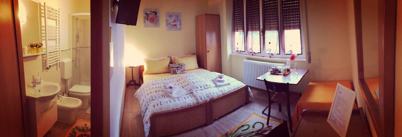 Camera tripla a 3 min Gardaland - Peschiera del Garda - Wohnung