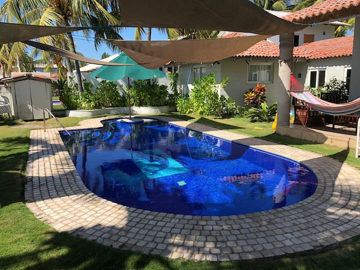 CASA DE PLAYA FRENTE AL MAR CON PISCINA PRIVADA