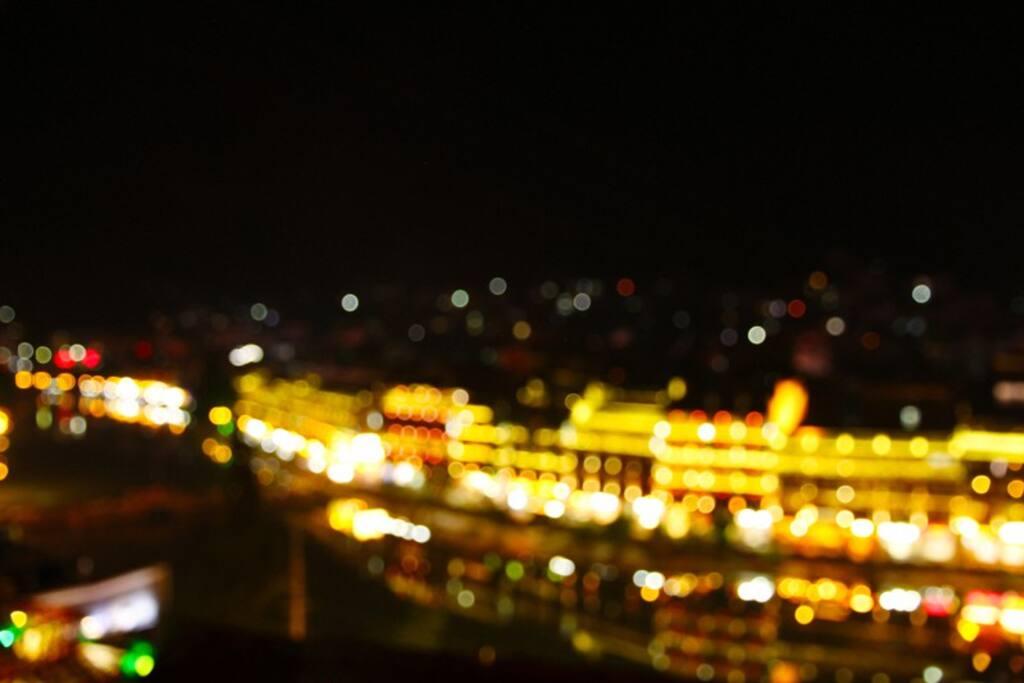 沱江夜景,房间阳台实拍。