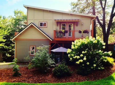 5 Points, Walk to Downtown - Asheville - House