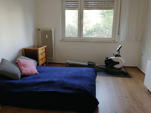 Cozy private room in the heart of Neukölln