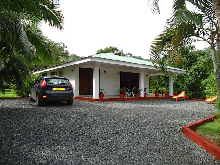 Moana A/C Villa 2 CH 4/5 pax + Car - 315$
