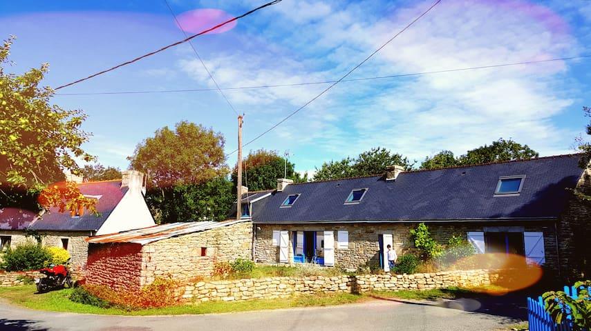 Maison bretonne entièrement rénovée - Plomeur - Ev