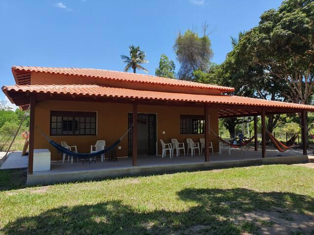 Casa de campo perto praia e parque aquático SESC