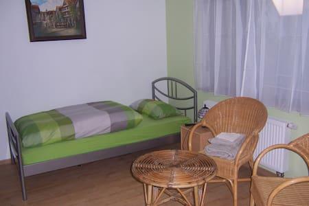 Haus Obersulm Zi.3     Doppelzimmer - Obersulm